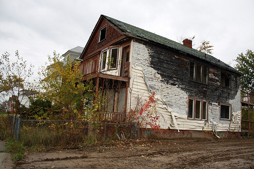 Rebuilding Detroit: Demolishing abandon homes not the answer for many
