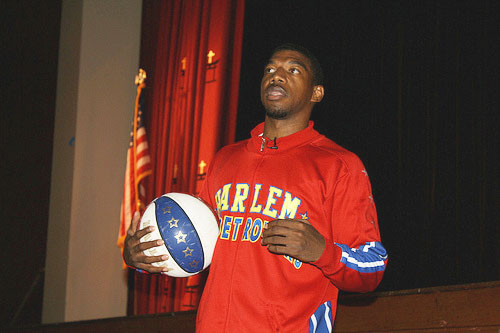 Harlem Globetrotter helps kids stop bullies in Brooklyn and Queens