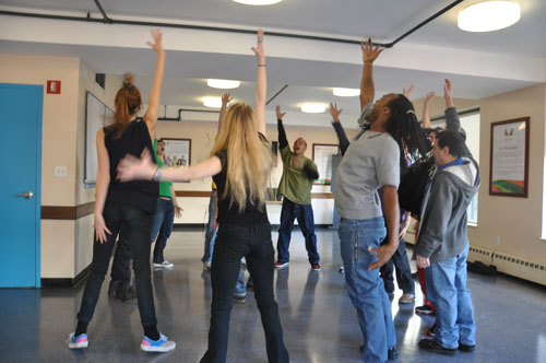 Acting classes help recovering addicts on their road to sobriety
