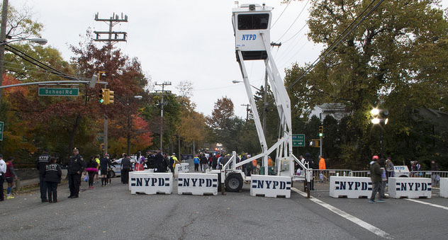 Intersection of School Road and Bay Street in Rosebank, Staten Island, shortly before the 2015 New York City Marathon. Photo by Dale Isip.