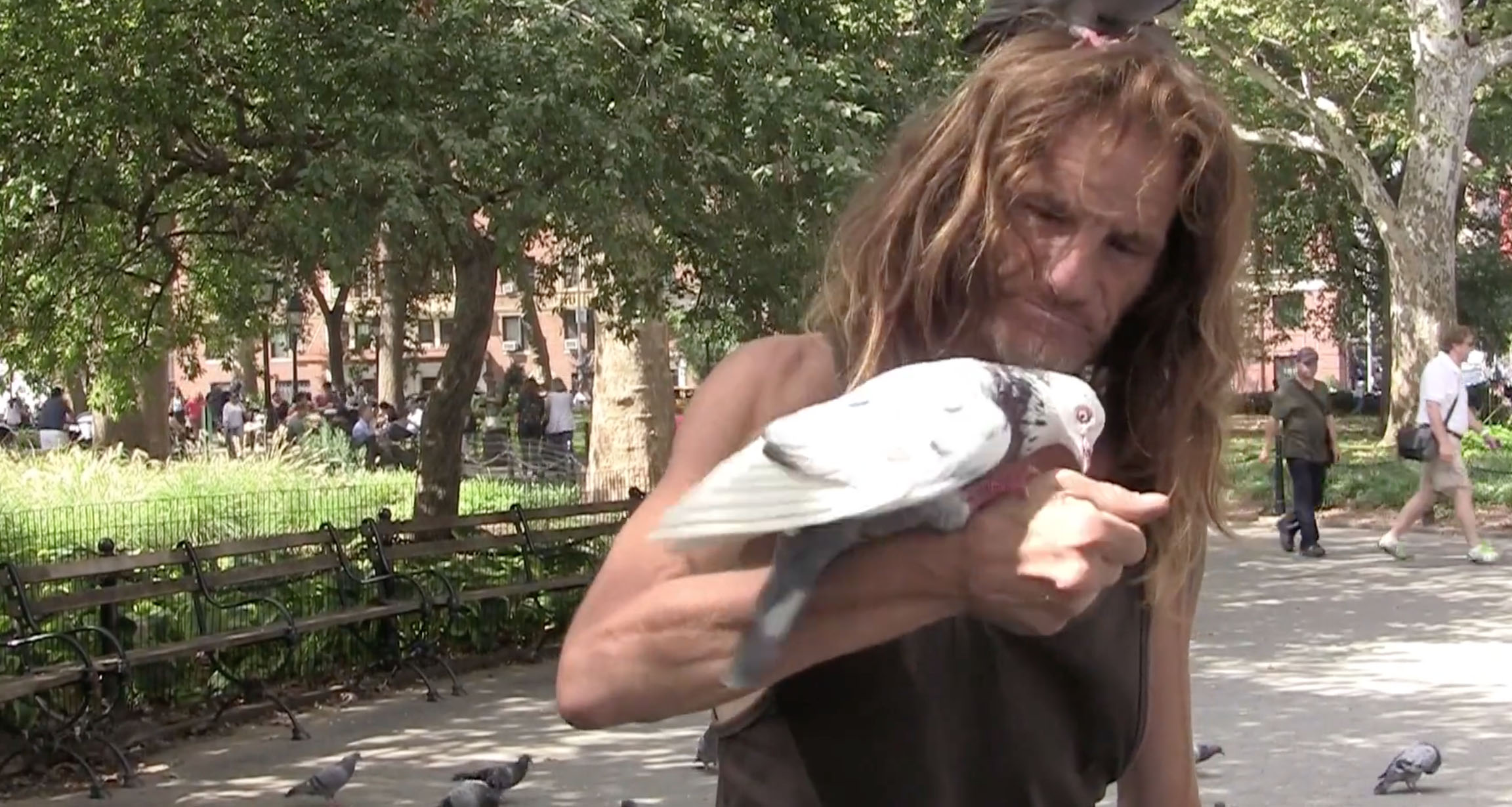 NY People: Larry the Birdman